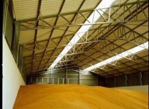 Хранение зерна в ангаре