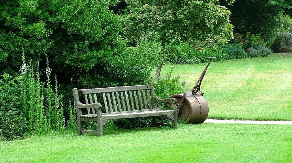 Садовая жизнь старых вещей