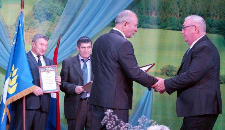 В Тамбовском районе Амурской области награждали победителей трудового соревнования
