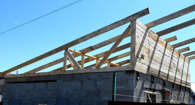 Строительство свинарника с односкатной крышей
