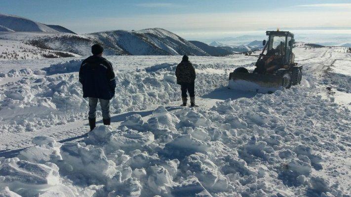 Тыва занесена снегом возникли проблемы с кормообеспечением