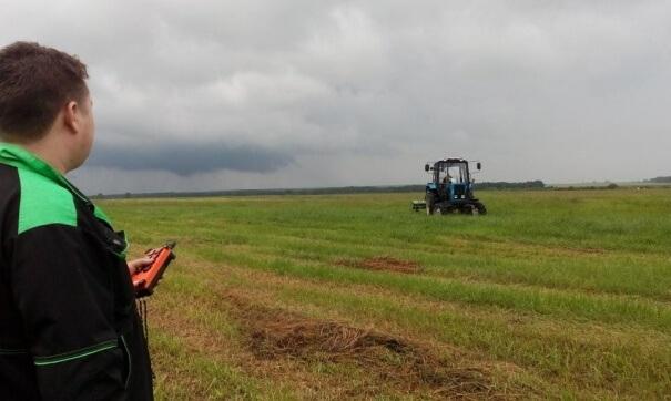 Уральские ученые в содружестве с зарубежными коллегами создали первый трактор беспилотник