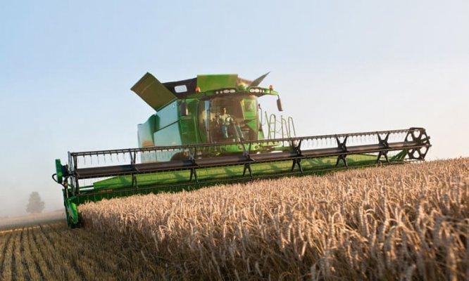 Агрохолдинг Равис купил новую сельхозтехнику