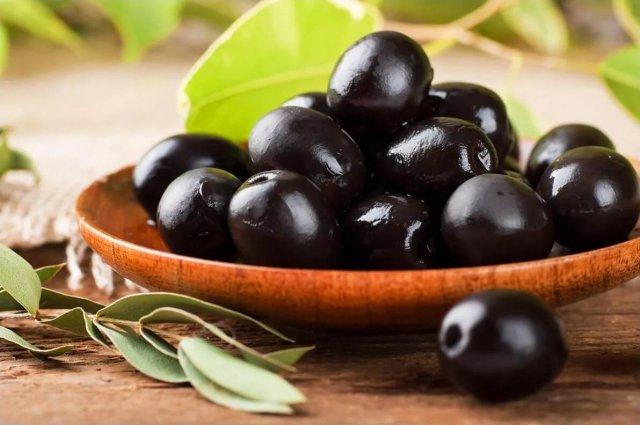 Маслины черные