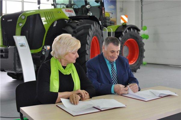 В Минусинске открылс вставочный центр сельхозтехники