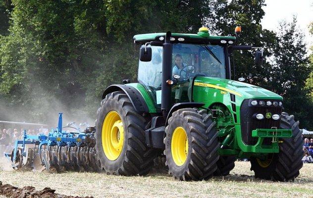 Абхазия получила российские трактора