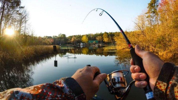 Закон России отменяет платные вод участки для любительской рыбалки