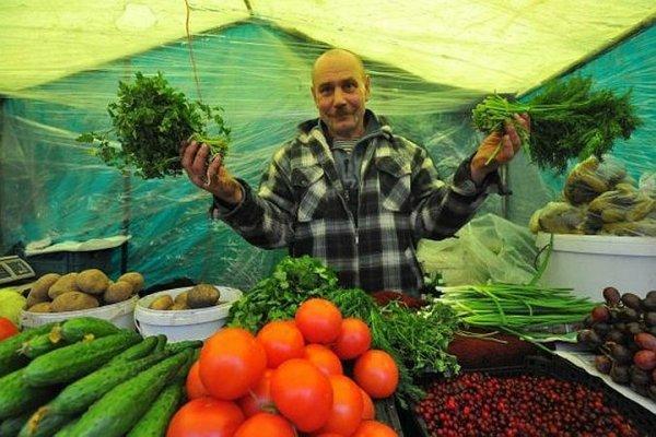 Фермеров и частников могут освободить о получения карточки продавца