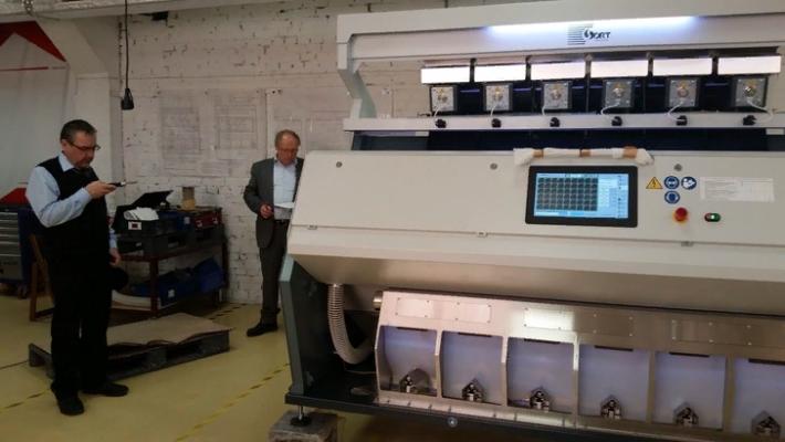 Фотосепаратор алтайских производителей высоко оценили европейские аграрии